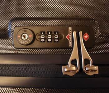 чемоданный механизм с кодом